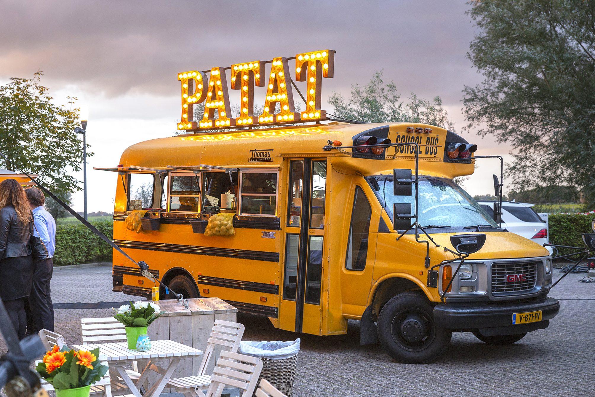 defrieschoolbus.nl | verhuur friet(foodtrucks) | Nederland | Schoolbus Patat
